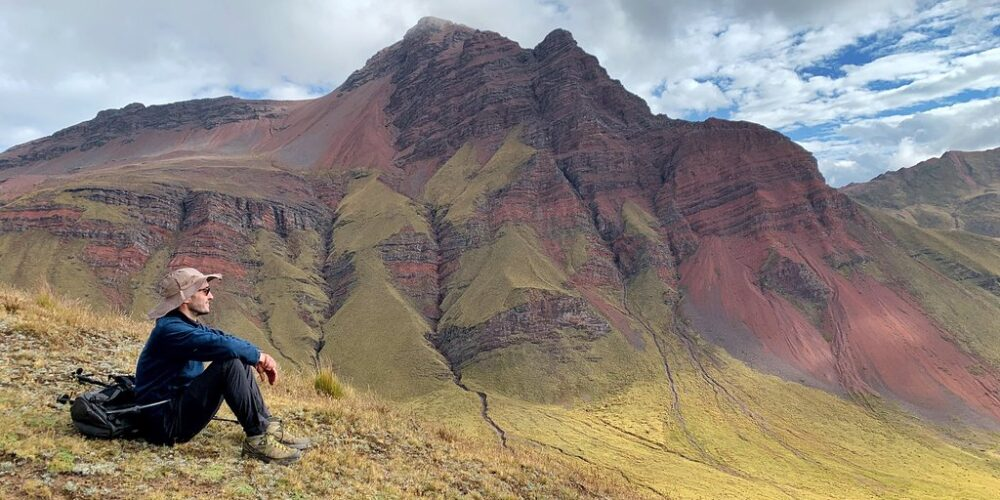 a rest in the Ancascocha trek 4 days