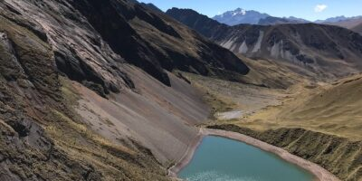 in the ancascocha trek 7 days we can see the Ancascocha lake surrounded by beautiful landscapes.