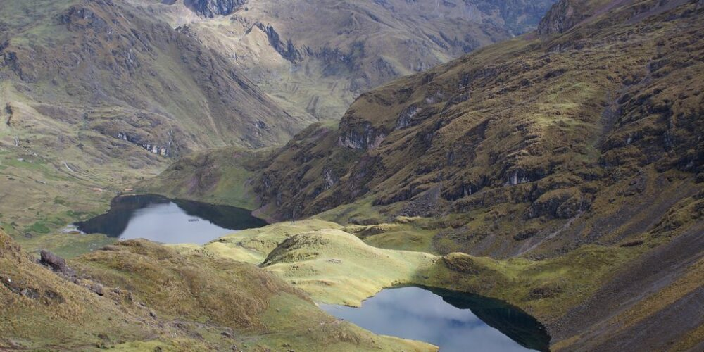 Beautiful view of the lake in the lares trek 4 days