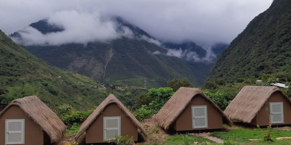 Camp on the salkantay route 5 days chaullay place