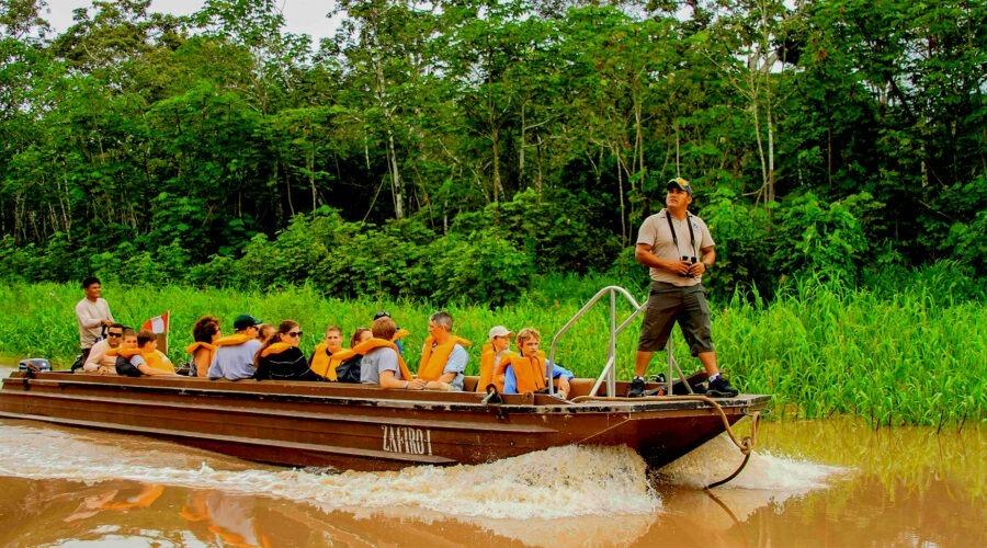 Tambopata Tour 4 Days