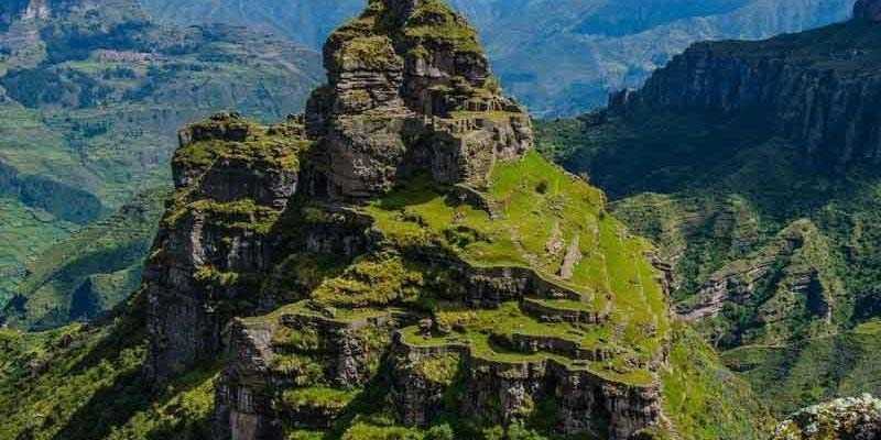 Waqrapukara hike