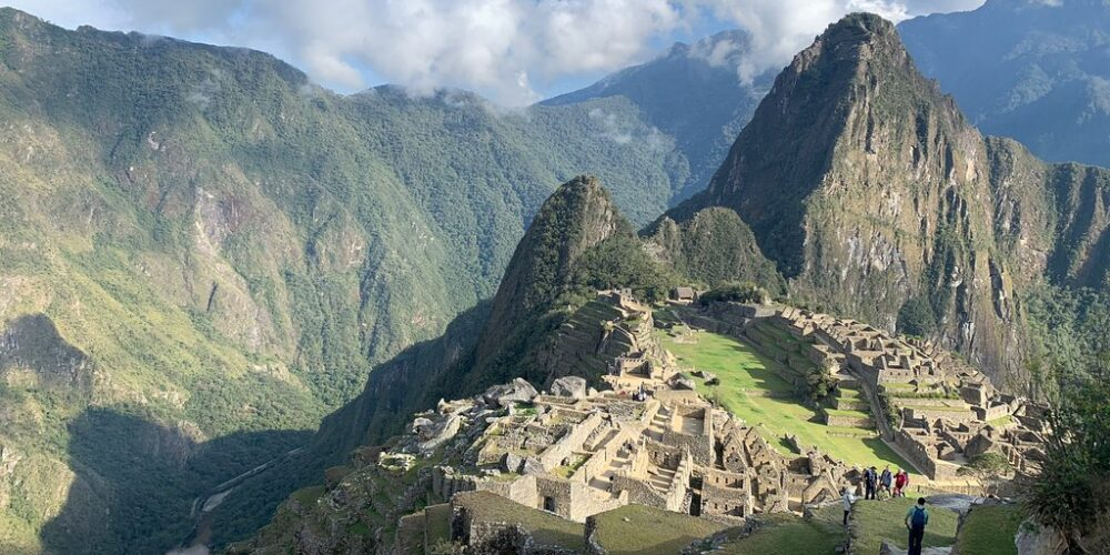 Discover Machu Picchu a city similar in culture and traditions