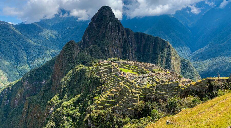 Sacred Valley & Machu Picchu Tour 2 Days-min
