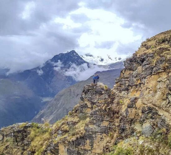 surprising view of snowy mountains and landscapes that the Choquequirao trail 8 days offers us