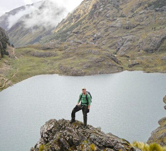 Lares trek + Inca trail 5 days will take us through beautiful lakes and beautiful landscapes