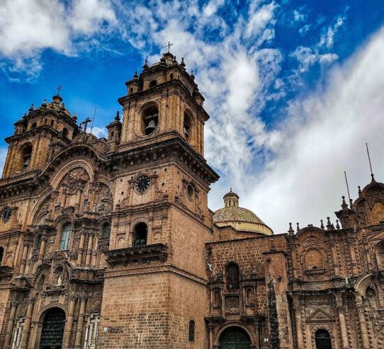 Cusco´s Cathedral has a magnificent construction from colonial times.